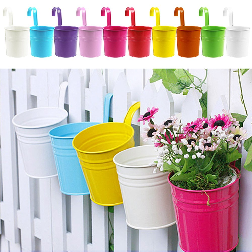 Popular metal flower pot vase hanging balcony garden plant for Decoration jardin balcon