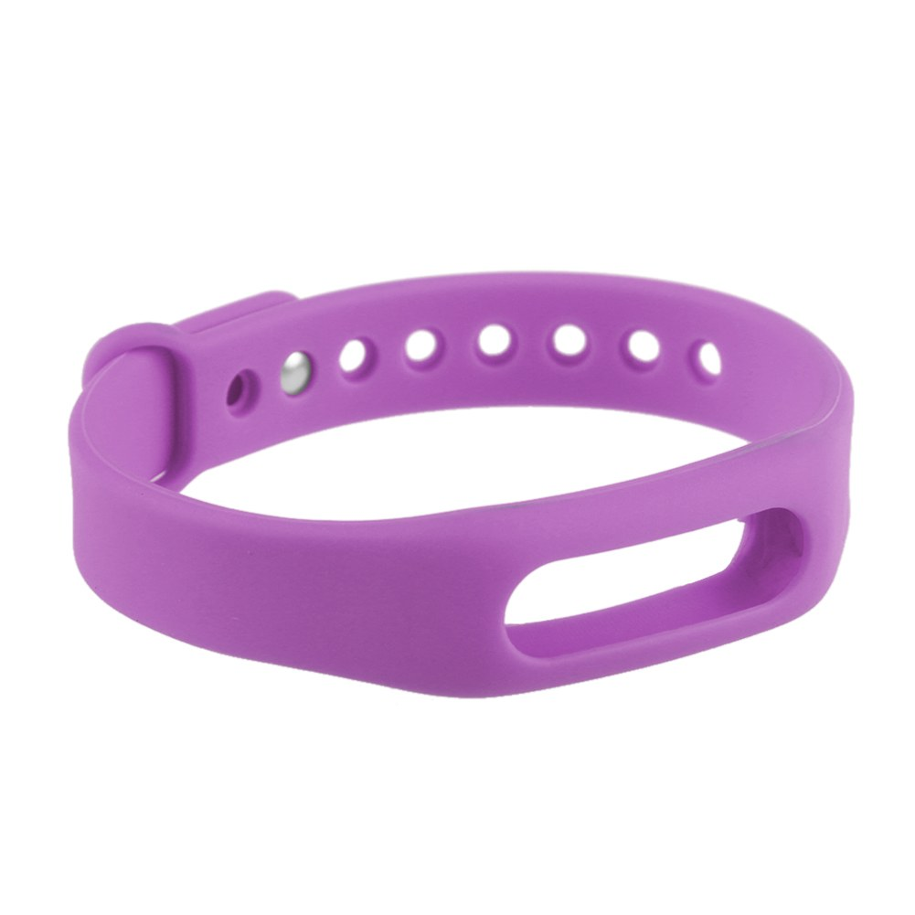 bracelet on wrist - photo #32